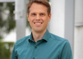 Dennis Gebhard